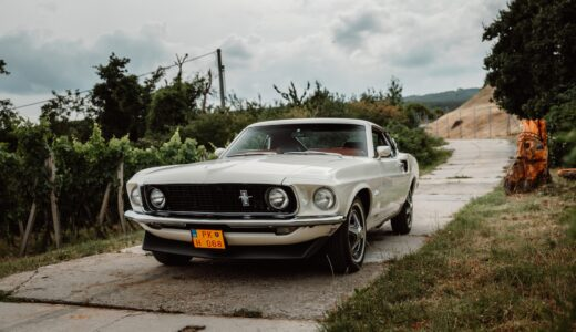 常田大希の車の車種は?King GnuのMVで使われた旧車も調査!